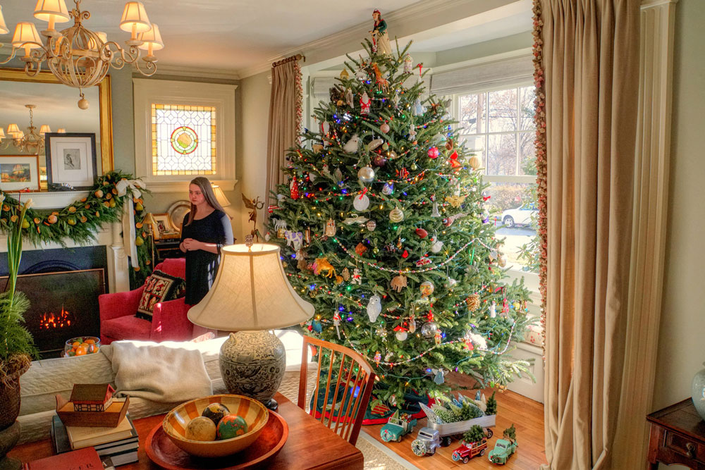 Holiday Spirit With These House Tours