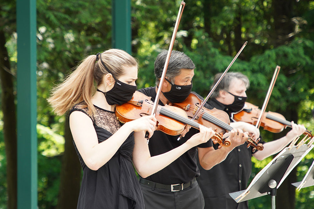 Pittsburgh Symphony Orchestra At Hartwood Acres Violinist Justine Campagna Chris Wu And Louis Lev Courtesy Julie Goetz Pittsburgh Symphony Orchestra