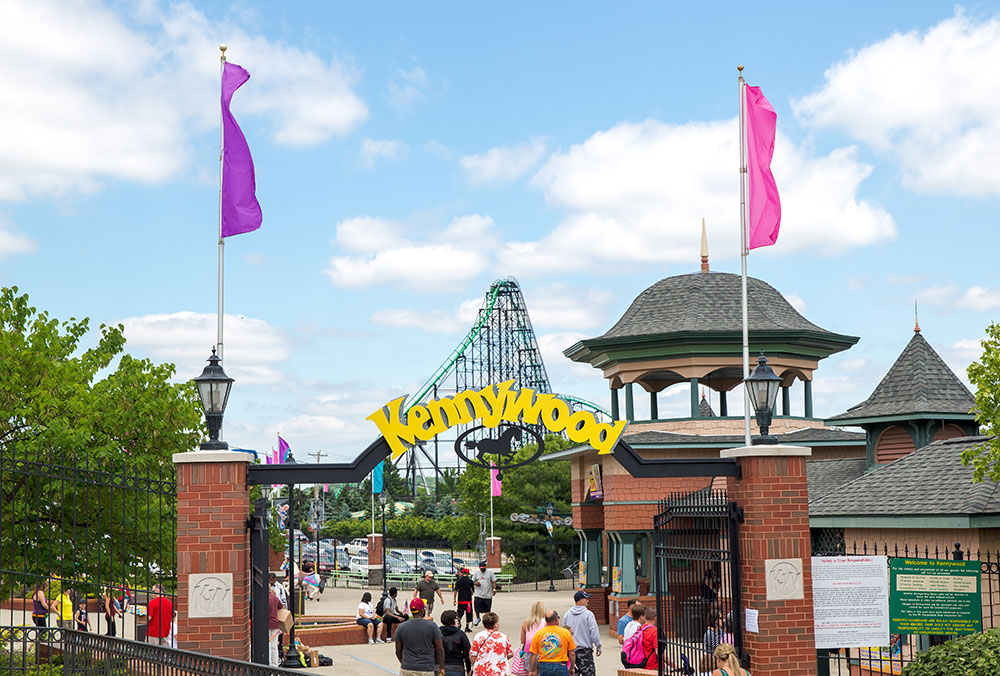 Kennywood Park Entrance & Phantom's Revenge Kurt Miller