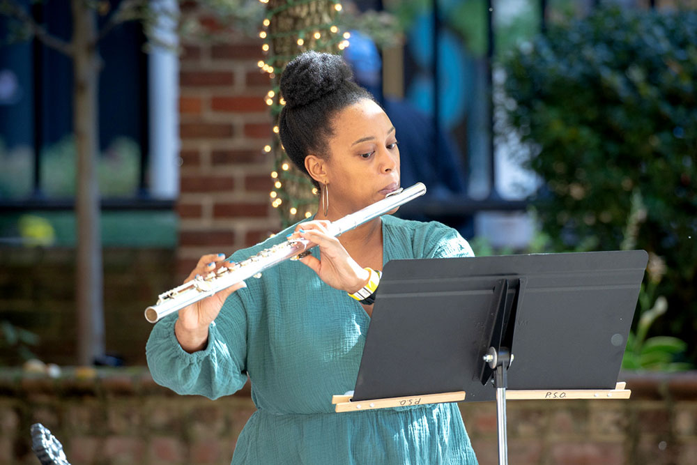 Pso Otpaam Fellow Shantanique Moore In Rehearsal For Front Row Episode 4 Credit Ed Dearmitt Pittsburgh Symphony Orchestra
