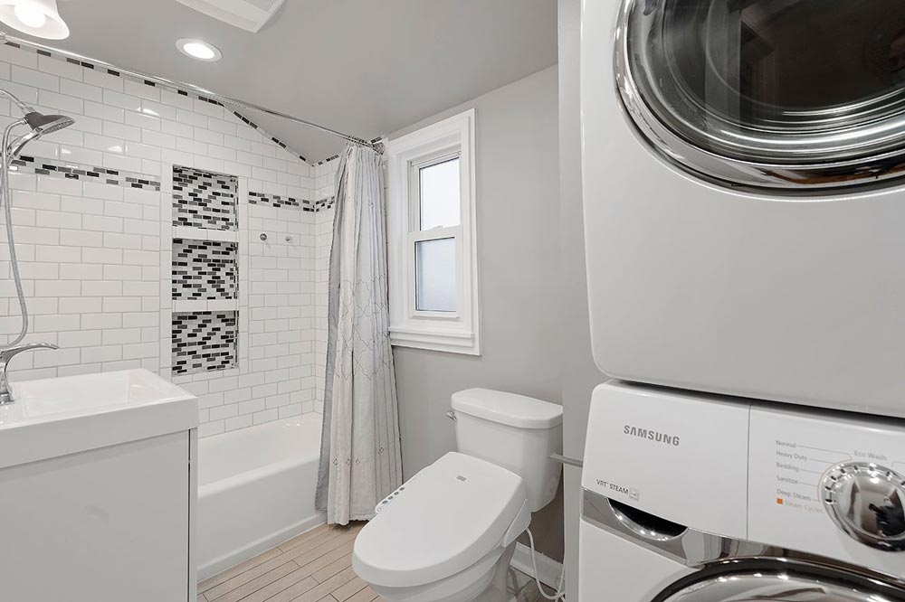 Full Bath Laundry