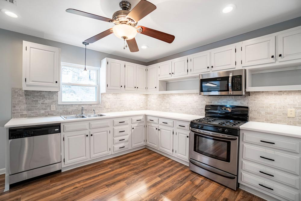 Plymouth2kitchenstove