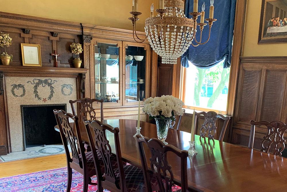 830 N Highland Dining Room