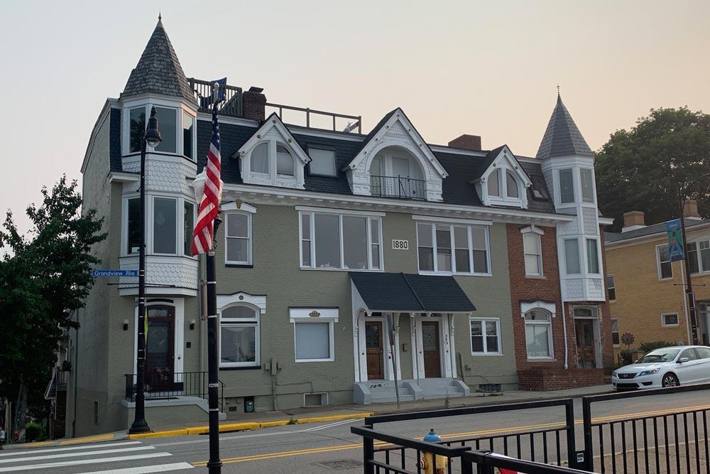 1 Grandview Townhouses