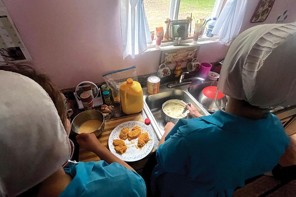 Amish Girls Nov21
